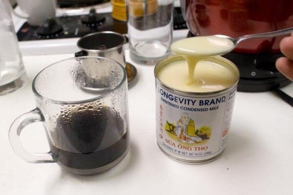Dụng cụ để pha cà phê sữa đá