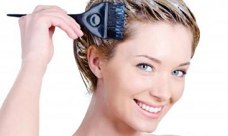 Massage tóc khi nhuộm